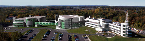 Albany NanoTech complex with 300mm wafer R&D fab in center (under construction) and existing 200mm wafer R&D facility on right.