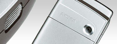 Nokia's 6235 captures and views images with an integrated VGA camera and video recorder.